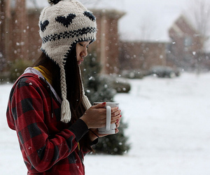 beanie and snow image