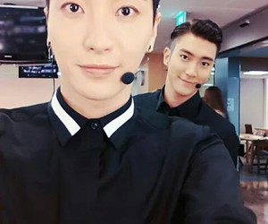 Leeteuk, siwon, and super junior image