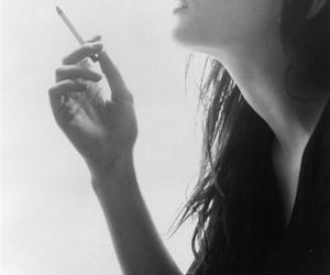 smoking, girl, and liv tyler image