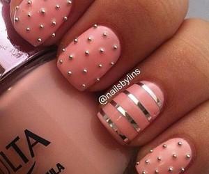 nails pearl pi k image