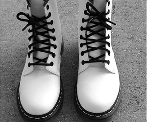 accesories, grunge, and shoes image