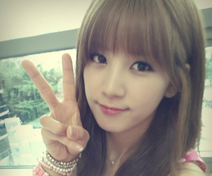 chorong, apink, and kpop image
