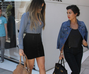 fashion, khloe kardashian, and kourtney kardashian image