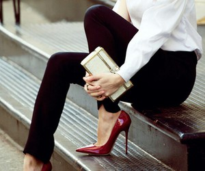 chic, sofisticated, and heels image