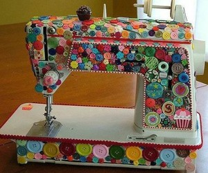 buttons and sewing machine image
