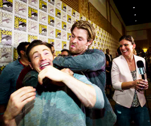 chris hemsworth, chris evans, and comic con image
