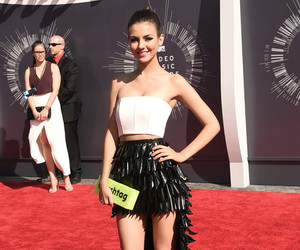 victoria justice, mtv, and vmas image