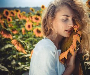 girl, sunflowers, and heppie image