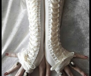 long lace gloves image