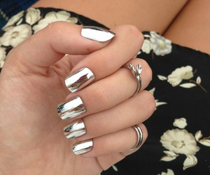 girls, nails, and mirror image