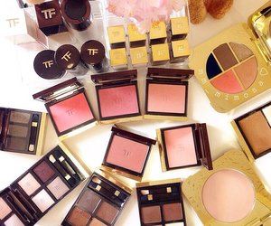beautiful, clothes, and cosmetics image