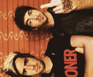 alex gaskarth, all time low, and tattoo image