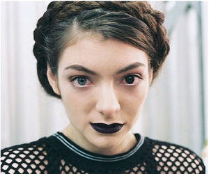 lorde and tennis court image