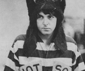 funny, mccartney, and no smile image