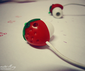 music and strawberry image