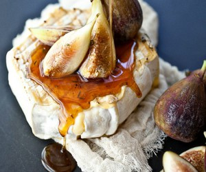 fig, honey, and brie image