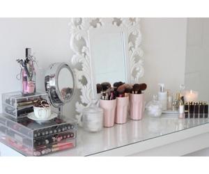 makeup, bedroom, and girl image