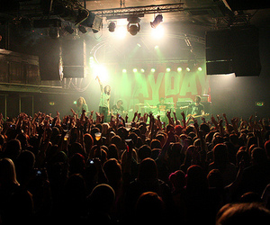 concert and mayday parade image