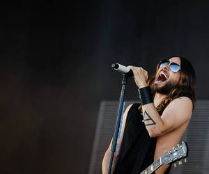 30 seconds to mars, scream, and 30stm image