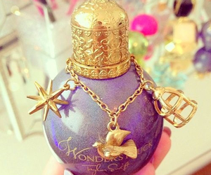 perfume, wonderstruck, and Taylor Swift image
