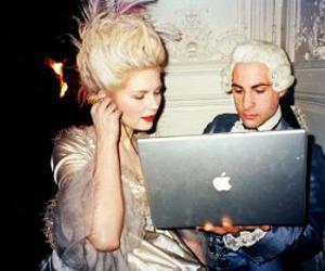 marie antoinette, apple, and Kirsten Dunst image