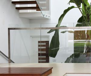 exterior design, glass element, and airy interior image