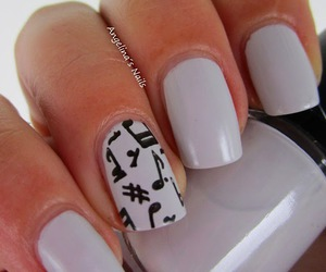 music and nails image