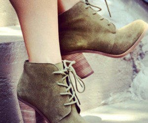 heel boots and army green boots image