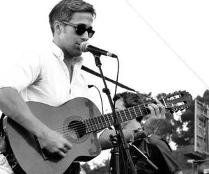 ryan gosling, guitar, and Hot image