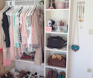 style and closet image
