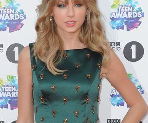 beauiful, Swift, and tour image