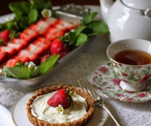strawberry and tea image