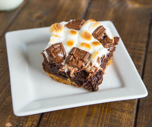 brownies, chocolate, and s'mores image