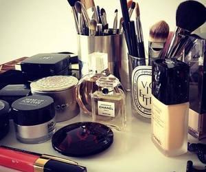 fashion, girl, and lipgloss image