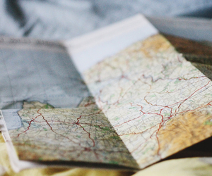 bed, map, and mapa image