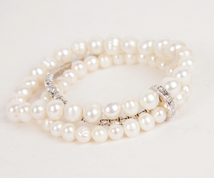pearls, bracelet, and accessories image