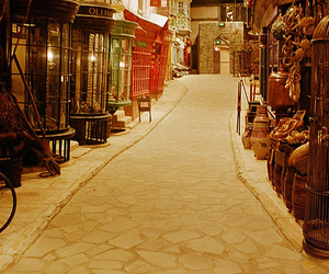 harry potter, diagon alley, and alley image