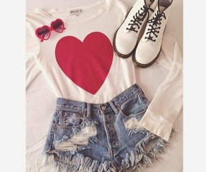 fashion, outfit, and heart image