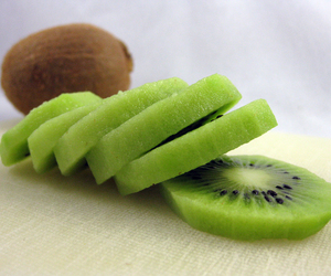 fruit and kiwi image