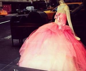dress, Vera Wang, and pink image