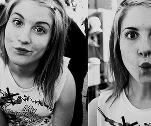 hayley williams, black and white, and paramore image