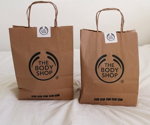 the body shop, bag, and beauty image