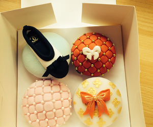 bows, chanel, and cupcakes image