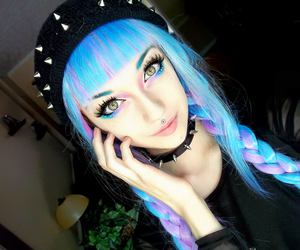 alt girl, dyed hair, and pastel goth image