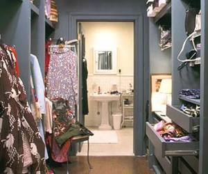 sex and the city, closet, and Carrie Bradshaw image