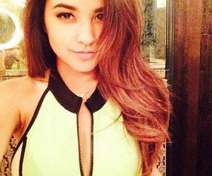 becky g and selfie image