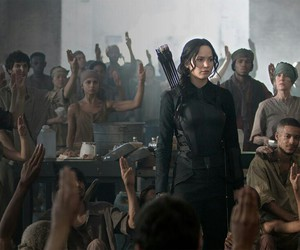 mockingjay, katniss, and katniss everdeen image