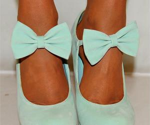 bow, wedges, and girly shoes image