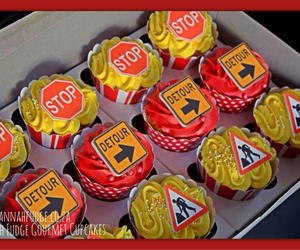 cupcakes, stop sign, and kids cupcakes image