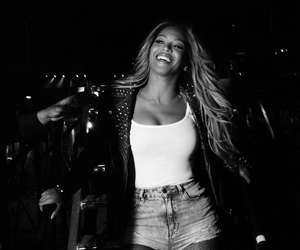 beyoncé, queen b, and black and white image